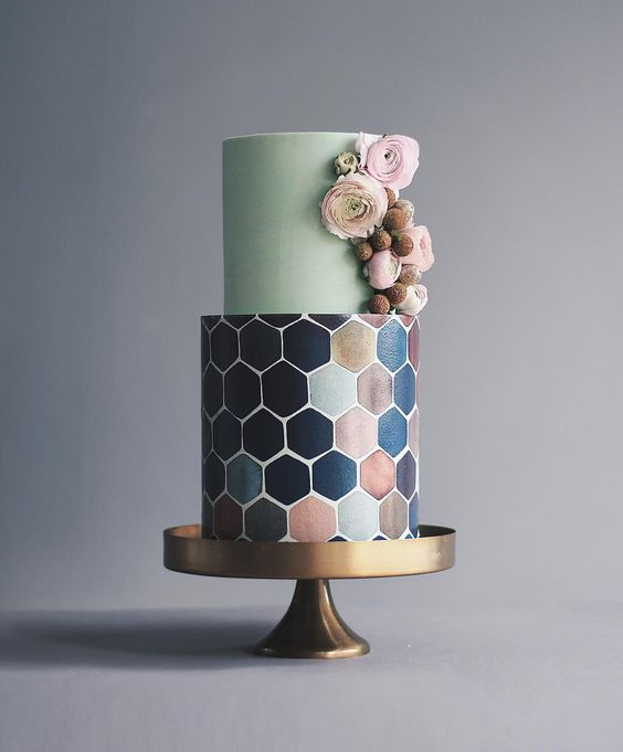 45 Honeycomb Cakes To Sweeten Your Wedding Day | Messy Bits