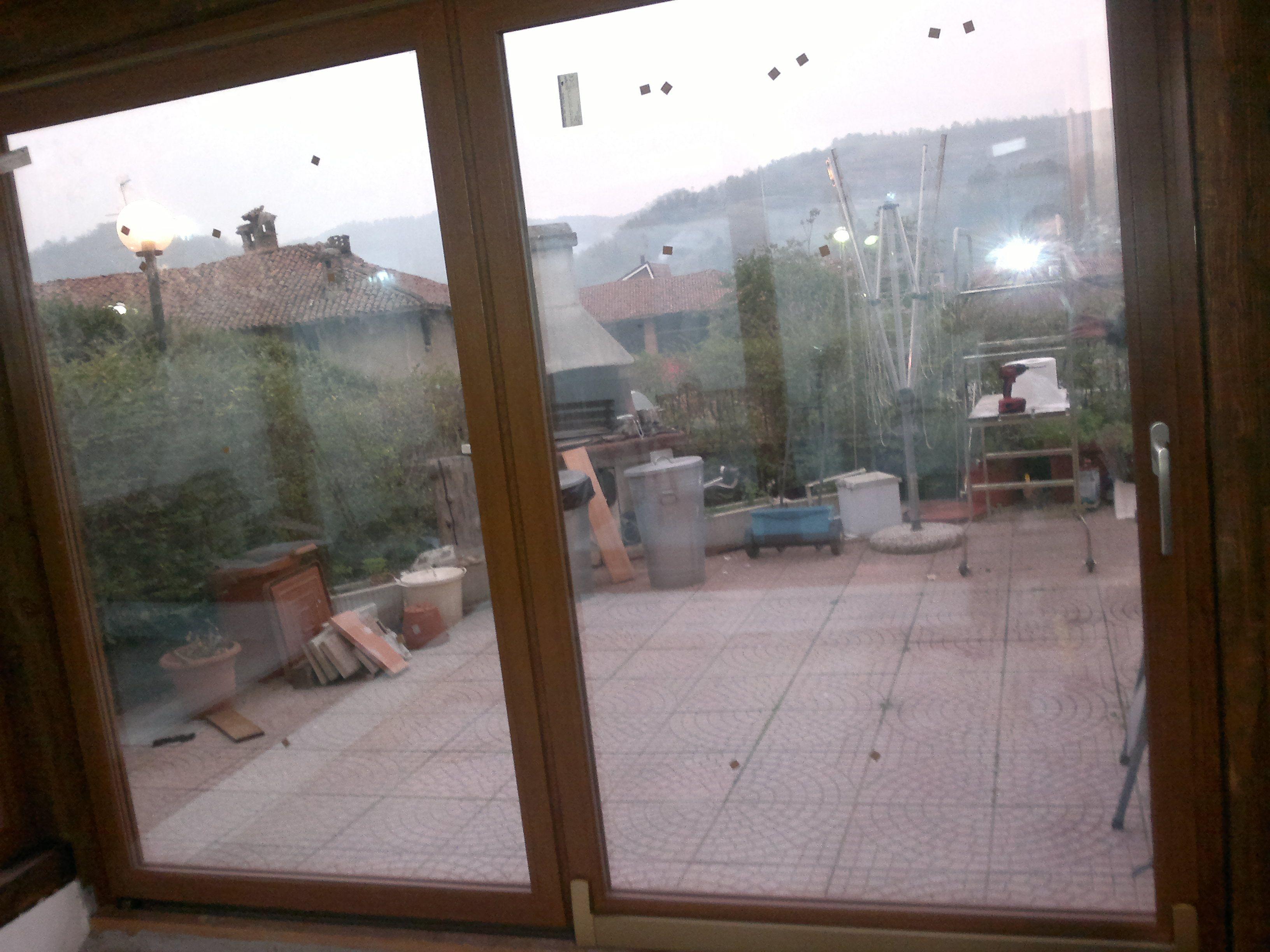 Nuovo montaggio eseguito a Casalborgone.  Installazione di porte e finestre in Pvc con elevate caratteristiche di isolamento termico ed acustico.  www.serramentipvctorino.it www.vf2serramenti.it