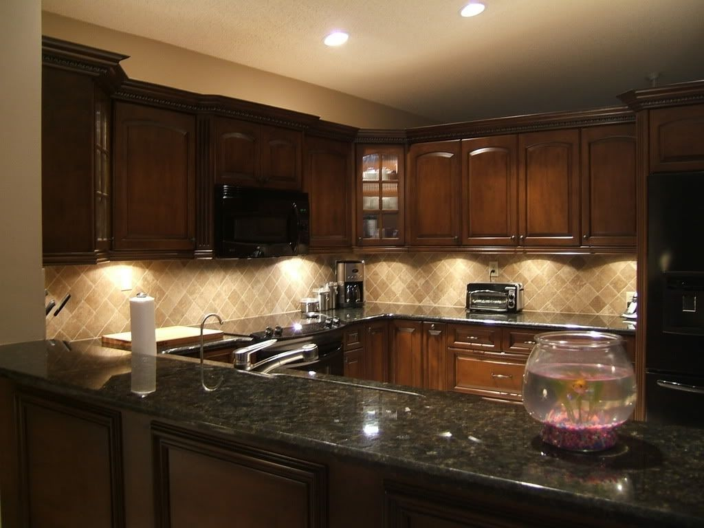 Granite countertop fantastic cherry kitchen cabinets with ... on Backsplash Ideas For Black Granite Countertops And Cherry Cabinets  id=93903