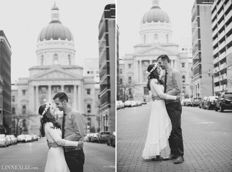 Downtown Indianapolis Engagement Session / LinneaLiz Photography / www.LinneaLiz.com