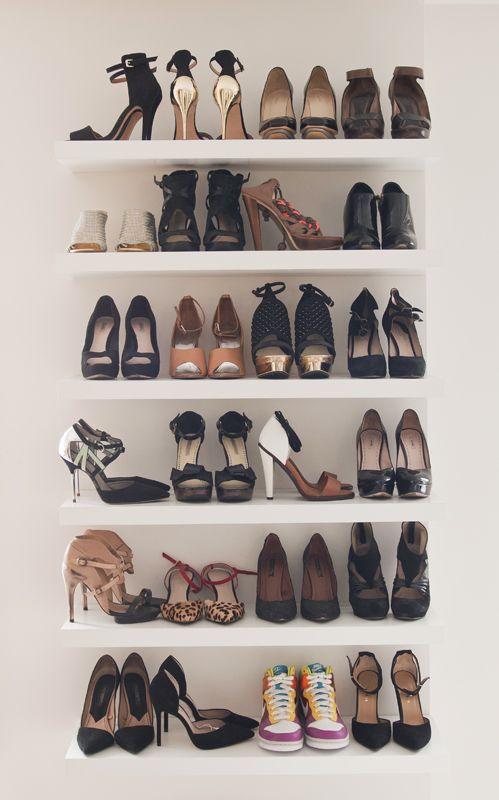Fur Meine Schuhe Ins Schlafzimmer Neben Die Kommode Shoe Shelves Shoe Storage Walk In Wardrobe