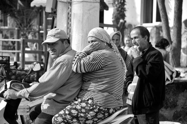 The weekly bazaar, Dereköy by Melike Güngörer, via Behance