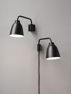Applique Avec Prise Caravaggio Lightyears Noir Made In Design Applique Murale Noire Eclairage Mural Luminaire Chambre