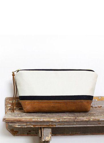 e9aba39d5 Leather zip clutch black and white color block stripes Carteira, Design De  Couro, Bolsas