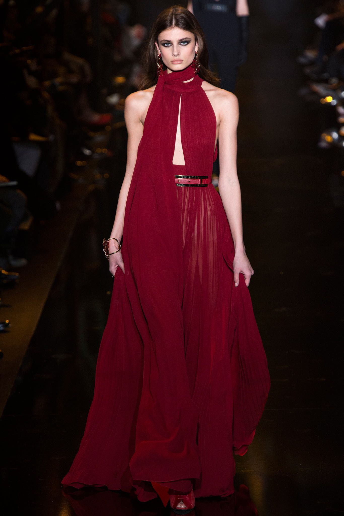 Elie Saab Fall 2015 Ready-to-Wear Fashion Show - Taylor Hill (IMG)