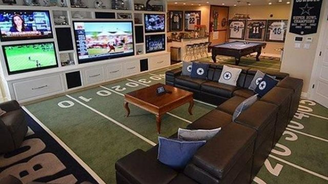 Man Cave Sports Bar Ideas : 20 sofas perfect for a man cave men and pillows