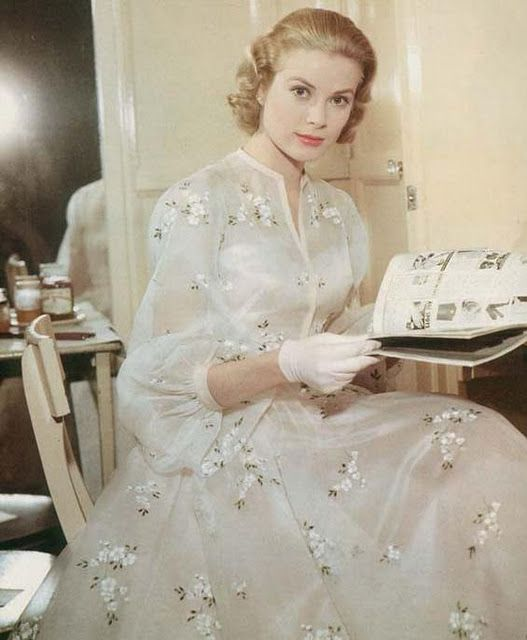 Grace Kelly in the most lovely floral dress! High Society