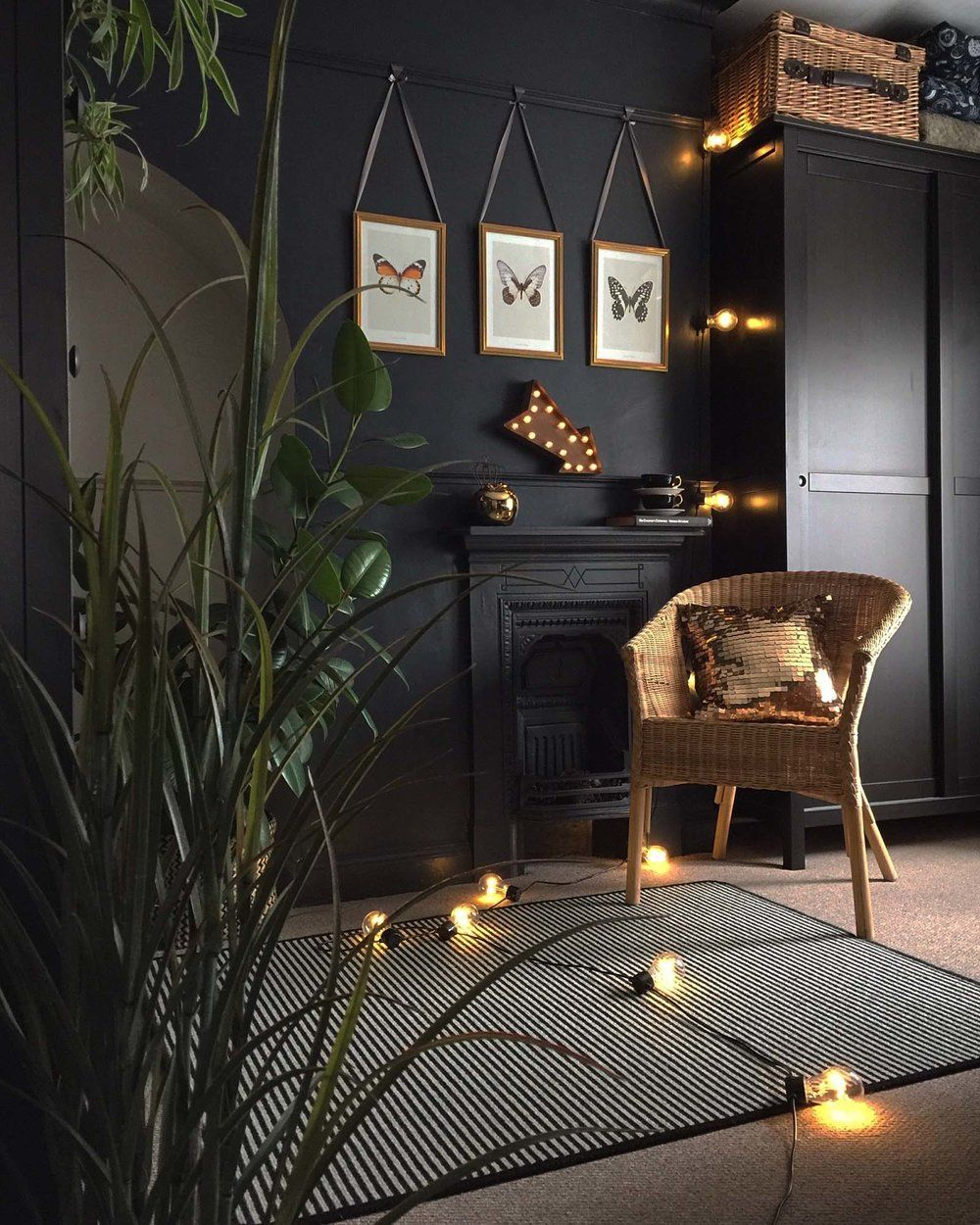 Dark and moody interiors are so on trend right now. Swap your white walls for dark, and create a gorgeously moody-yet-luxe vibe in your home.