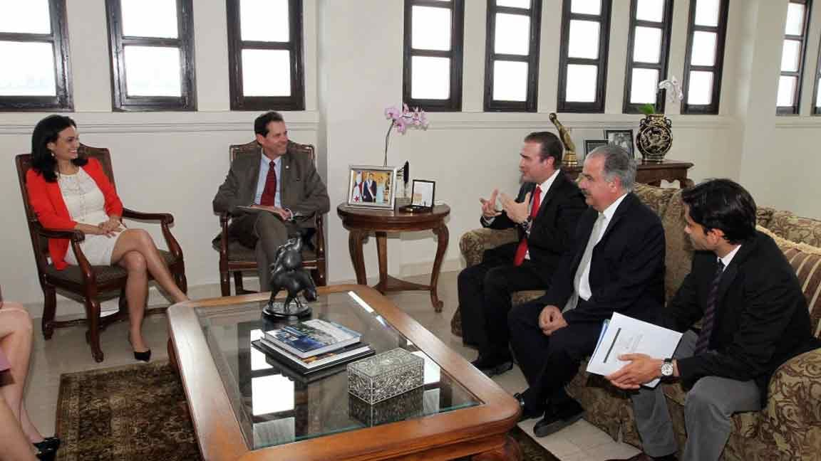 Panamá fortalece alianzas con sector privado