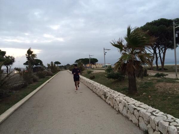 """@Giovanni Sedda: """"#Correre in #Sardegna armonizzandosi alle nuvole, al mare e alla voglia di vita piena. #scattidicorsa"""""""