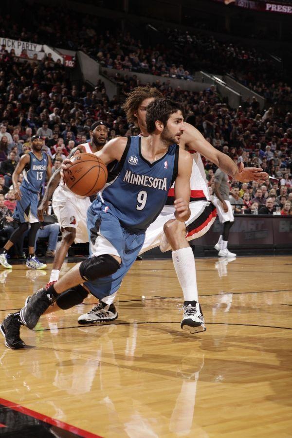 Pin By Fathia On Gorgeous Guys Minnesota Timberwolves Basketball Minnesota Timberwolves Minnesota