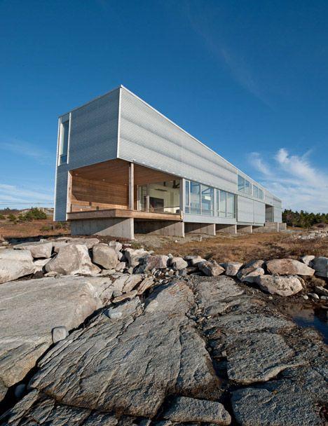 Sunset Rock House by Mackay Lyons Sweetapple Architects Nova