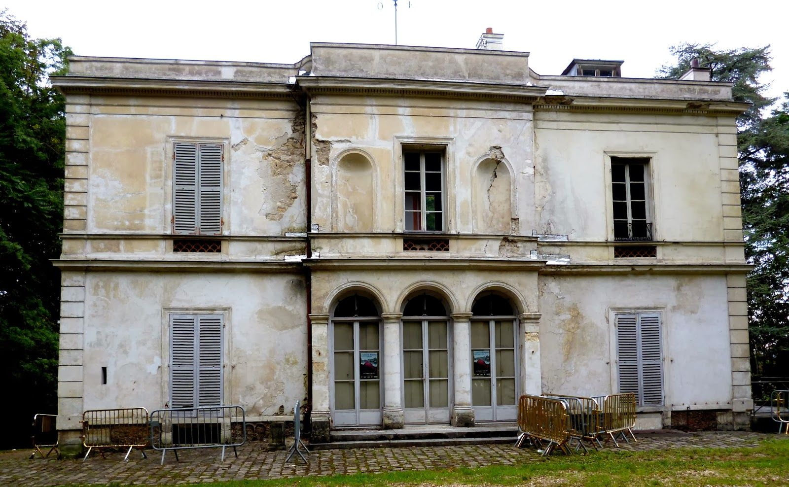 Villa Viardot is just a few yards away from Les Frênes, Bougival ...