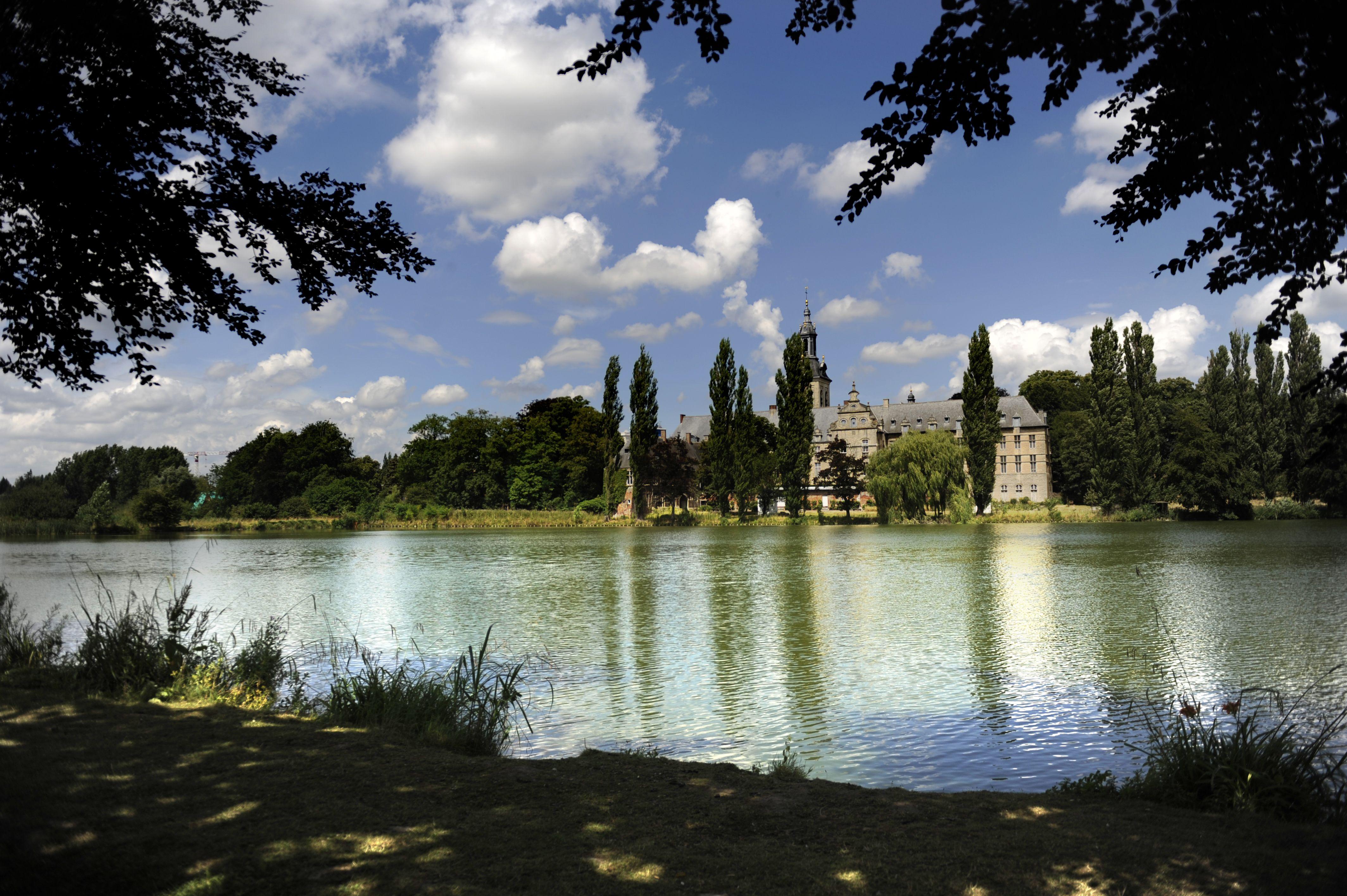 Park abbey ©MarcoMertens  #nature #abbey #leuven