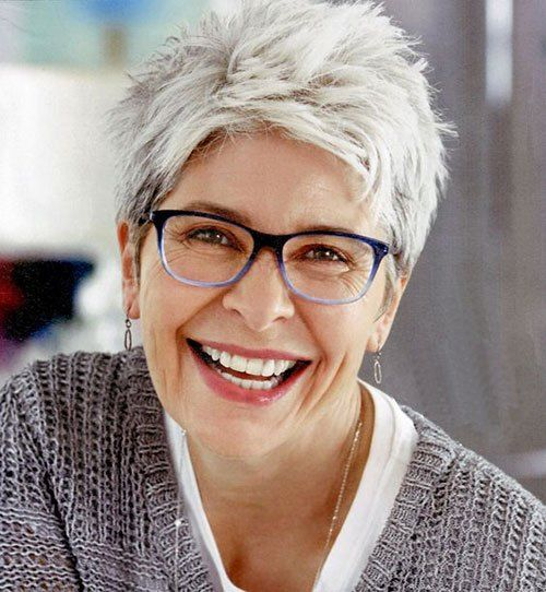 Best Short Haircuts for Women Over 50 with 20 Pics