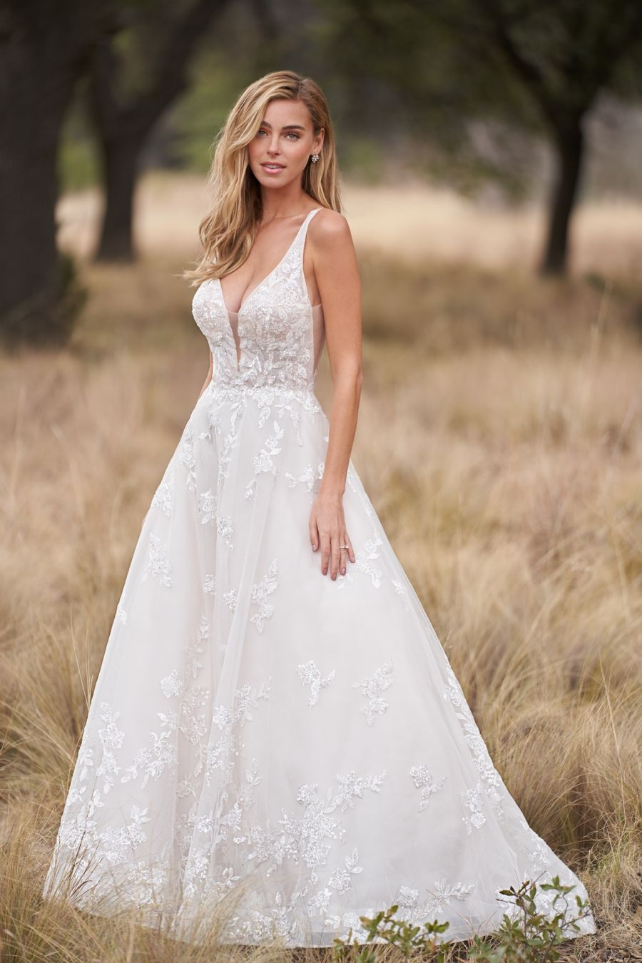 Allure Bridals 9758 Beadwork Adorns The Lace Appliques Along The Bodice And Hemline Of This Gown Allure Bridal Gowns Allure Bridal Aline Wedding Dress [ 1350 x 900 Pixel ]