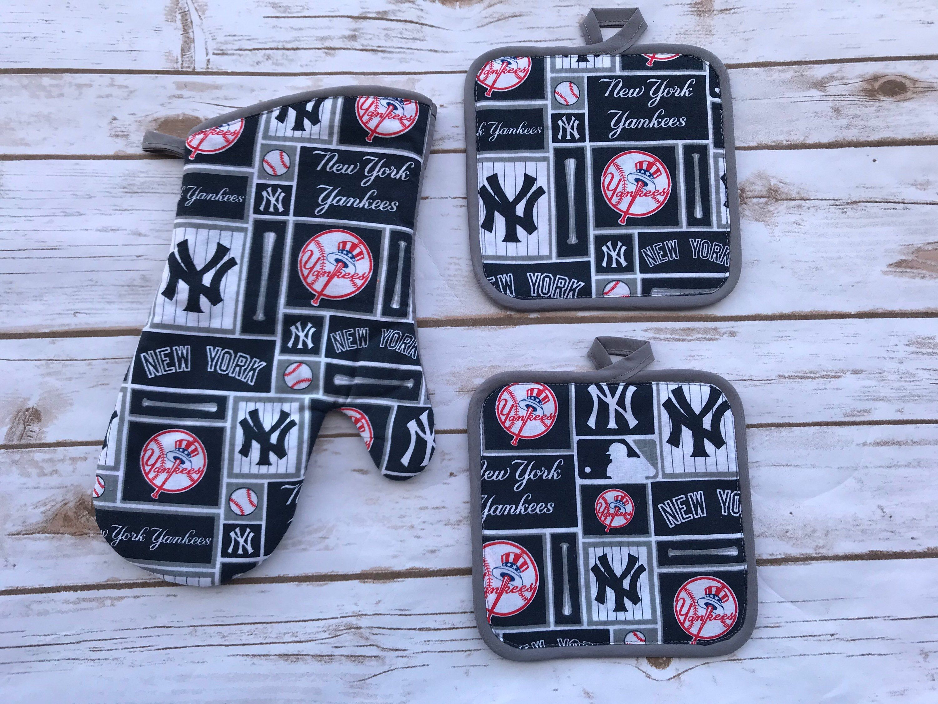 New York Yankees Pot Holders And Oven Mitten Gift For