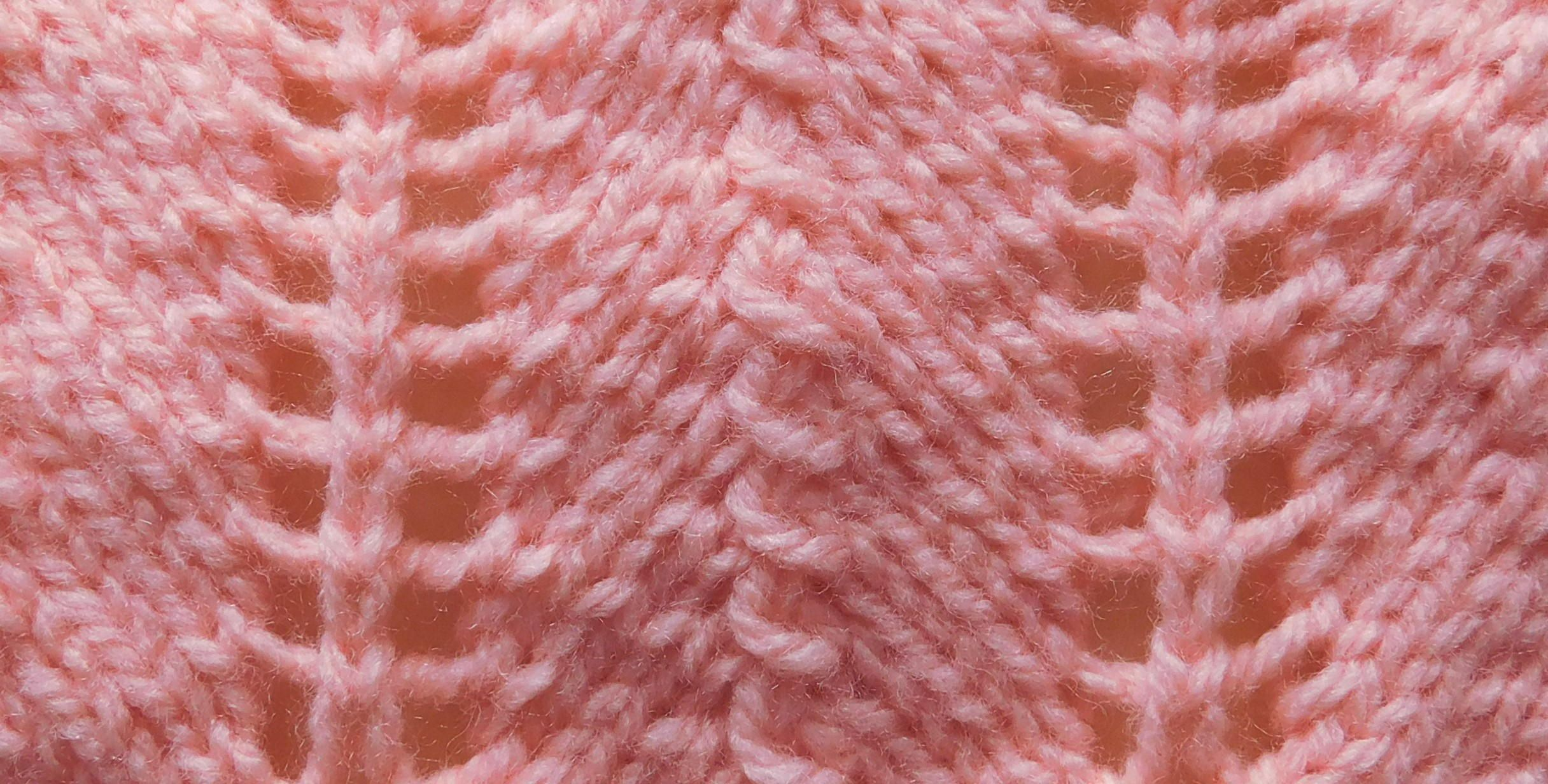Lacy Chevron Baby Blanket (With images) | Blanket knitting ...