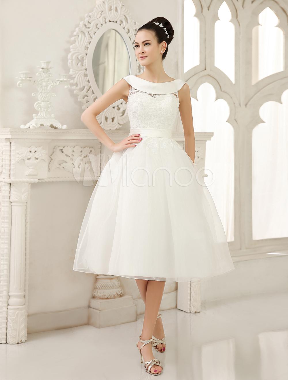 Glamouröses A-Linie-Brautkleid aus mit Rundkragen und Perlen ...