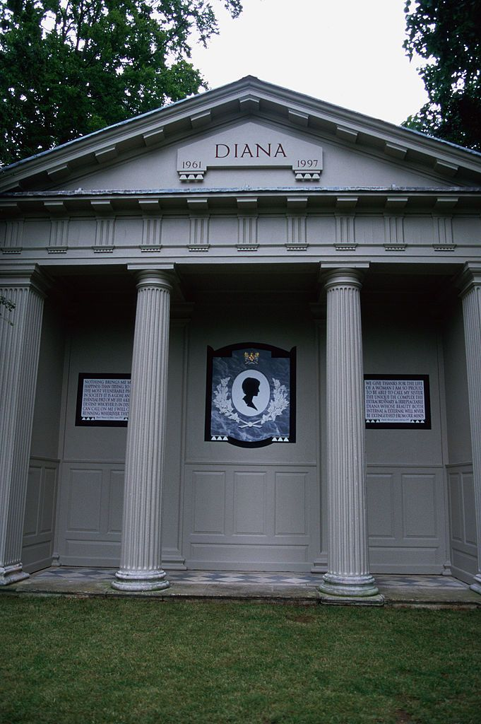 The grave and memorial to Princess Diana (1961 1997) on