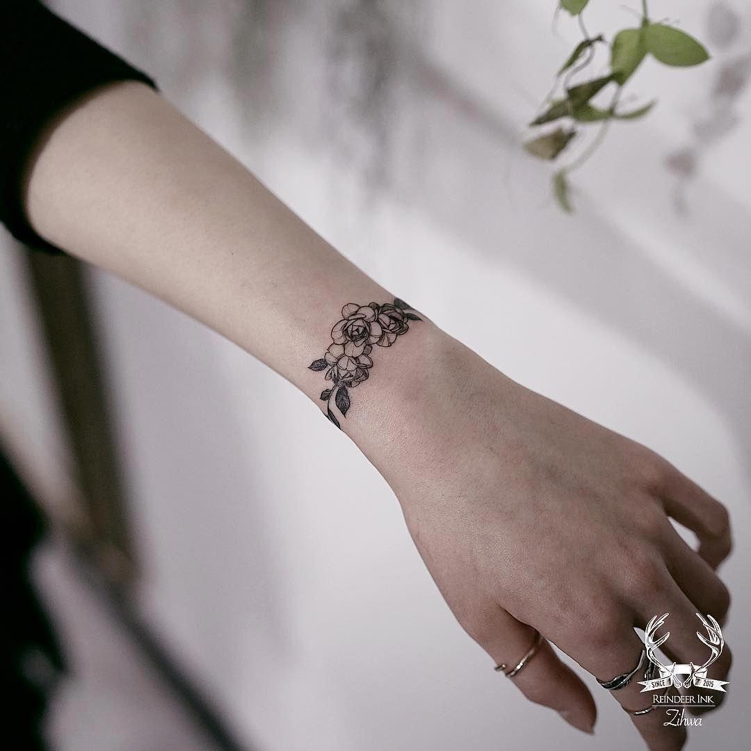 Cute Wrist Bracelet Tattoos For Women Wrist Bracelet Tattoo Flower Wrist Tattoos Wrist Tattoos For Women