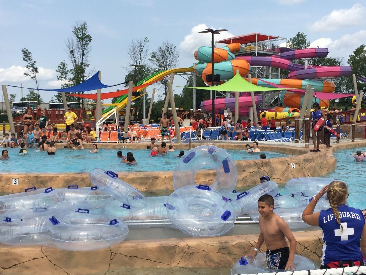 Funplex S Splashplex Water Park Is Now Open Nj Family Water Park Outdoor Movie New York City Travel