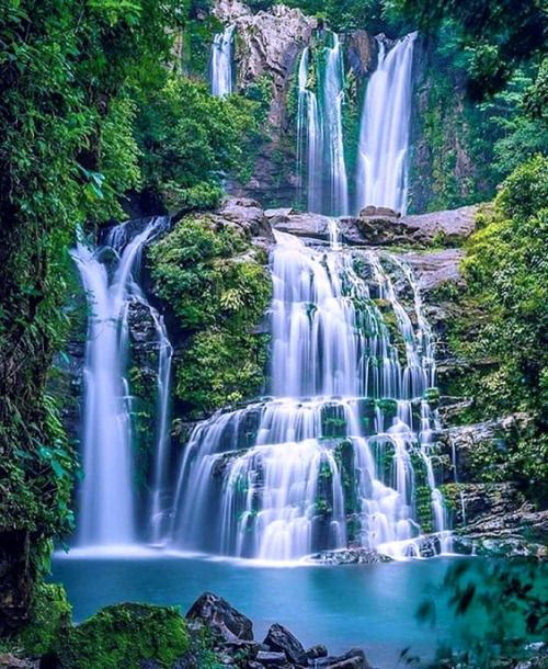 Places To Visit In Christmas Island: Waterfall In La Carolina, Costa Rica