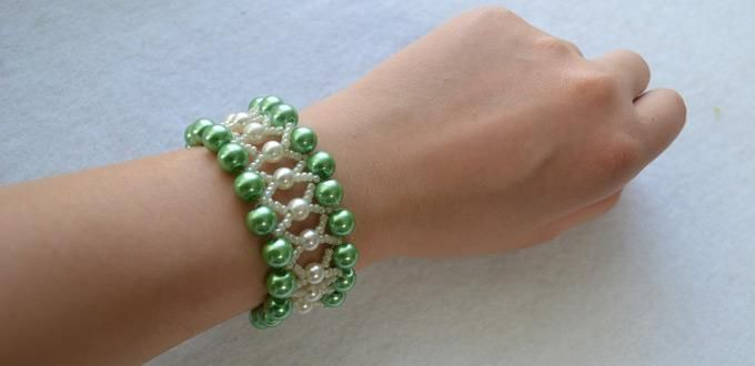 Green And White Pearl Bracelet Design Pictures