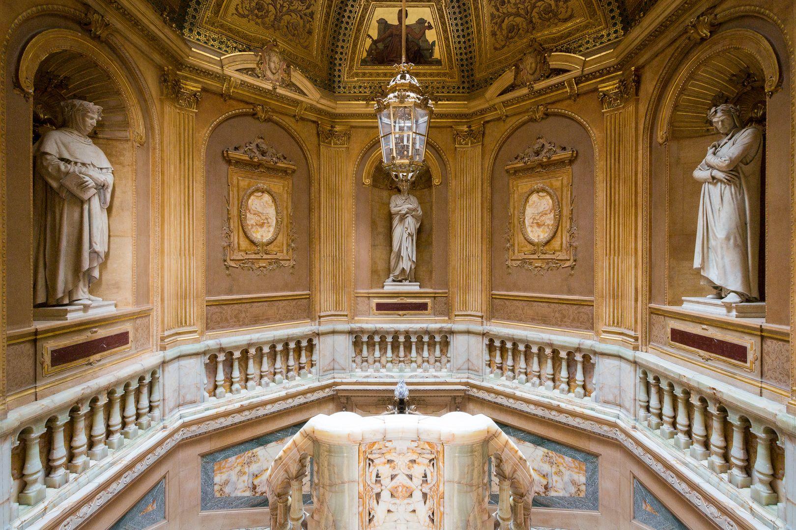 staircase, hôtel de la païva - 25 avenue champs d'elysses paris 8e