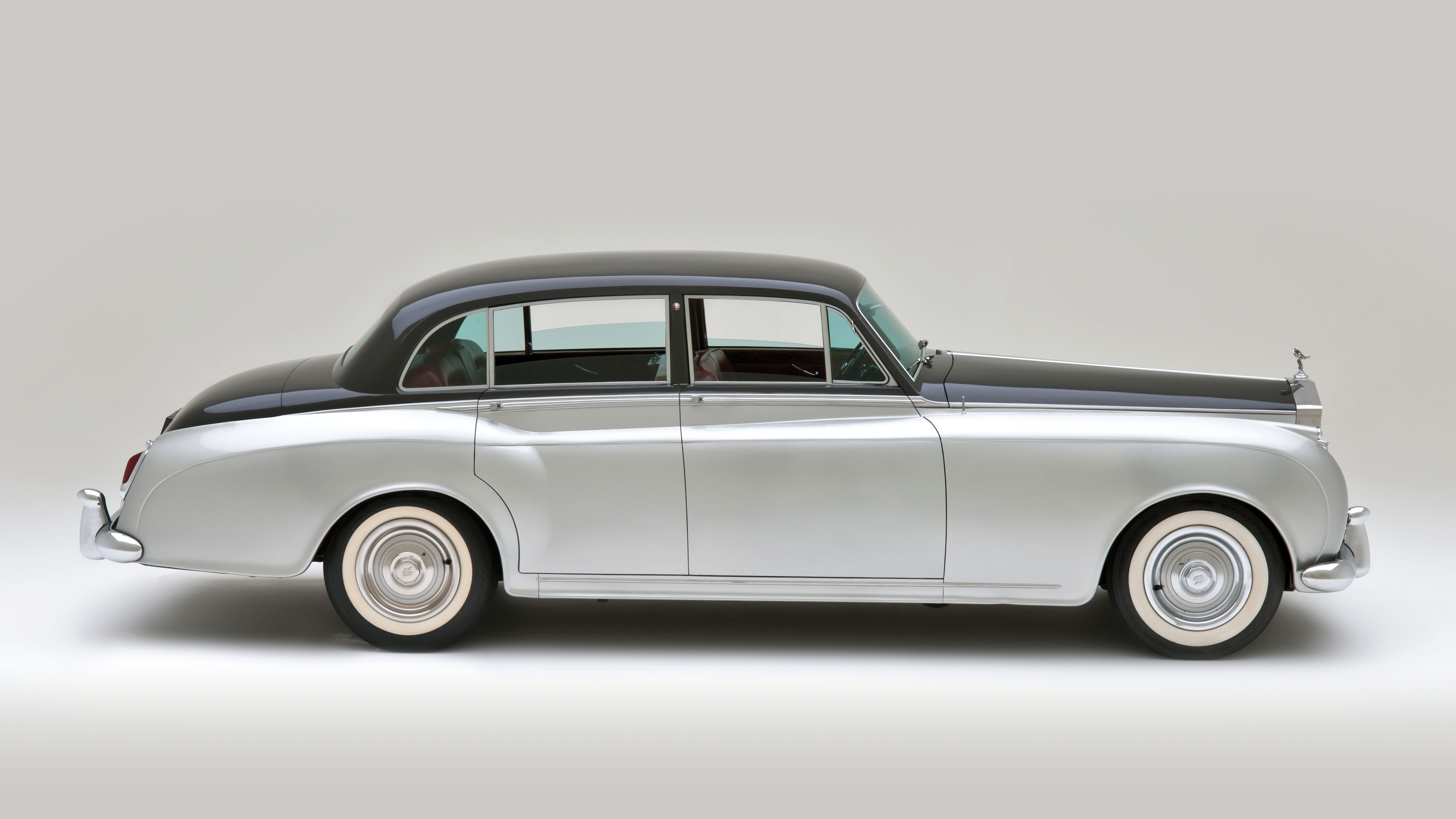 Rolls Royce Silver Cloud II Saloon by James Young 1960