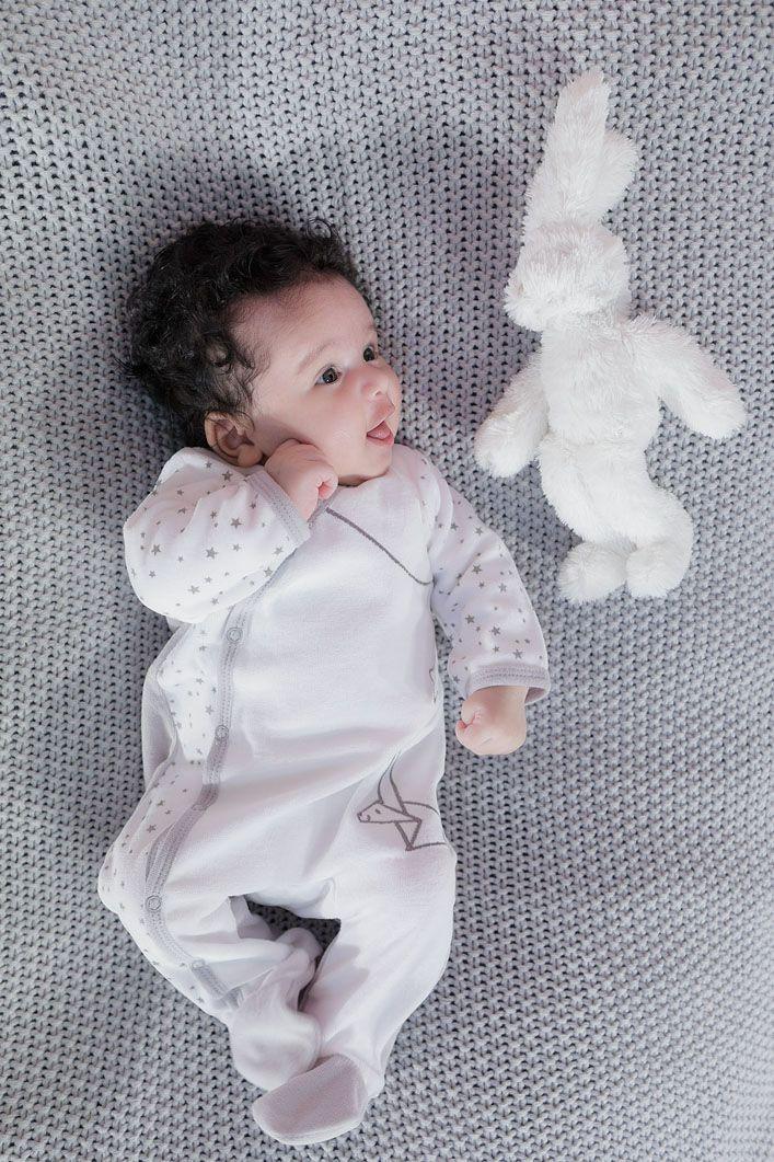 19d57020ff524 Aussi doux qu'un doudou, ce pyjama bébé offrira à votre nourrisson des nuits
