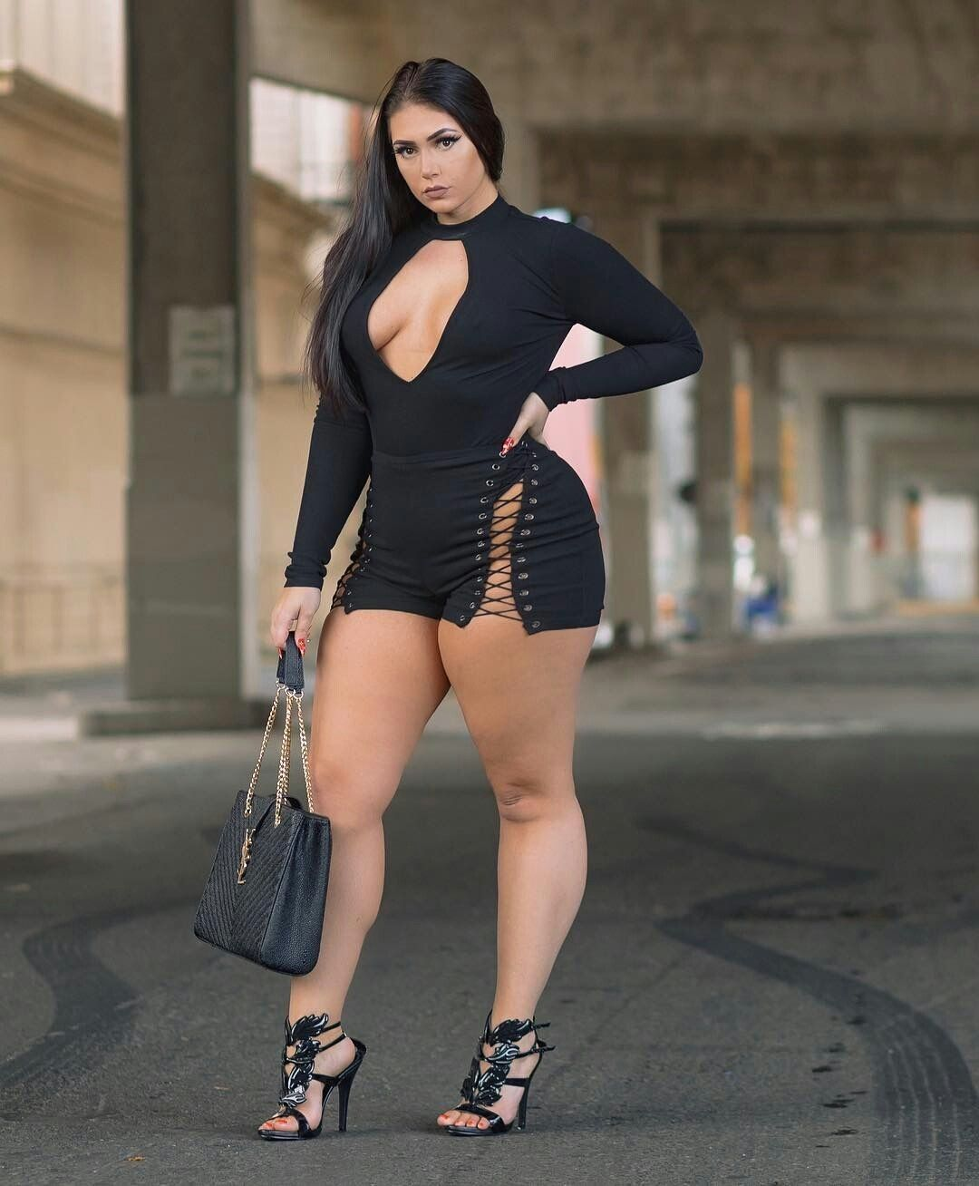 Pin on Curvy women fashion