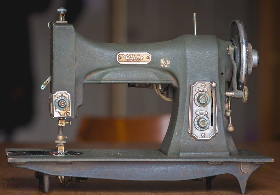 Vintage White Rotary sewing machine. Early 1930s model