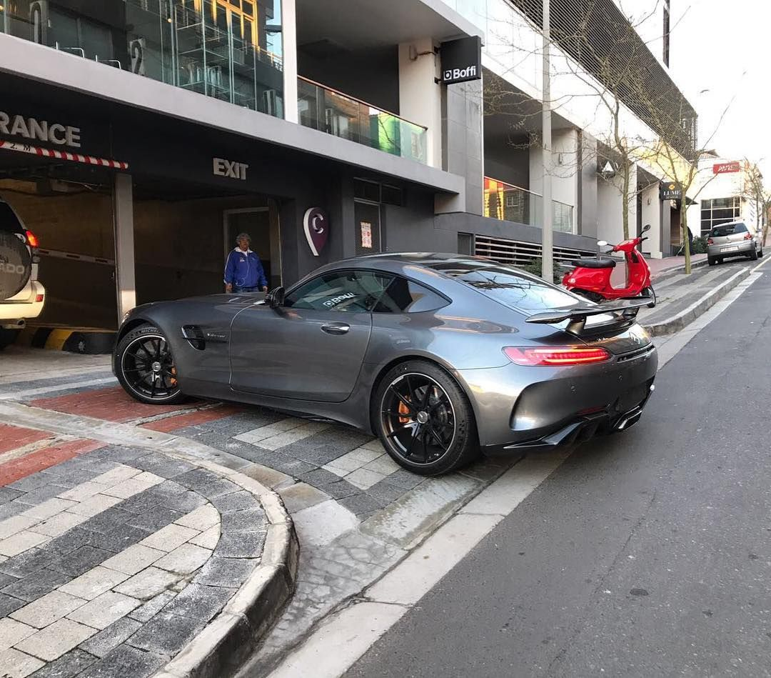 Mean Mercedes Monday With The New Amg Gt R Prowling The Streets Of Cape Town Via Guy Grove Exoticspotsa Zero2turbo Southafrica Me Gtr Hot Cars Mercedes
