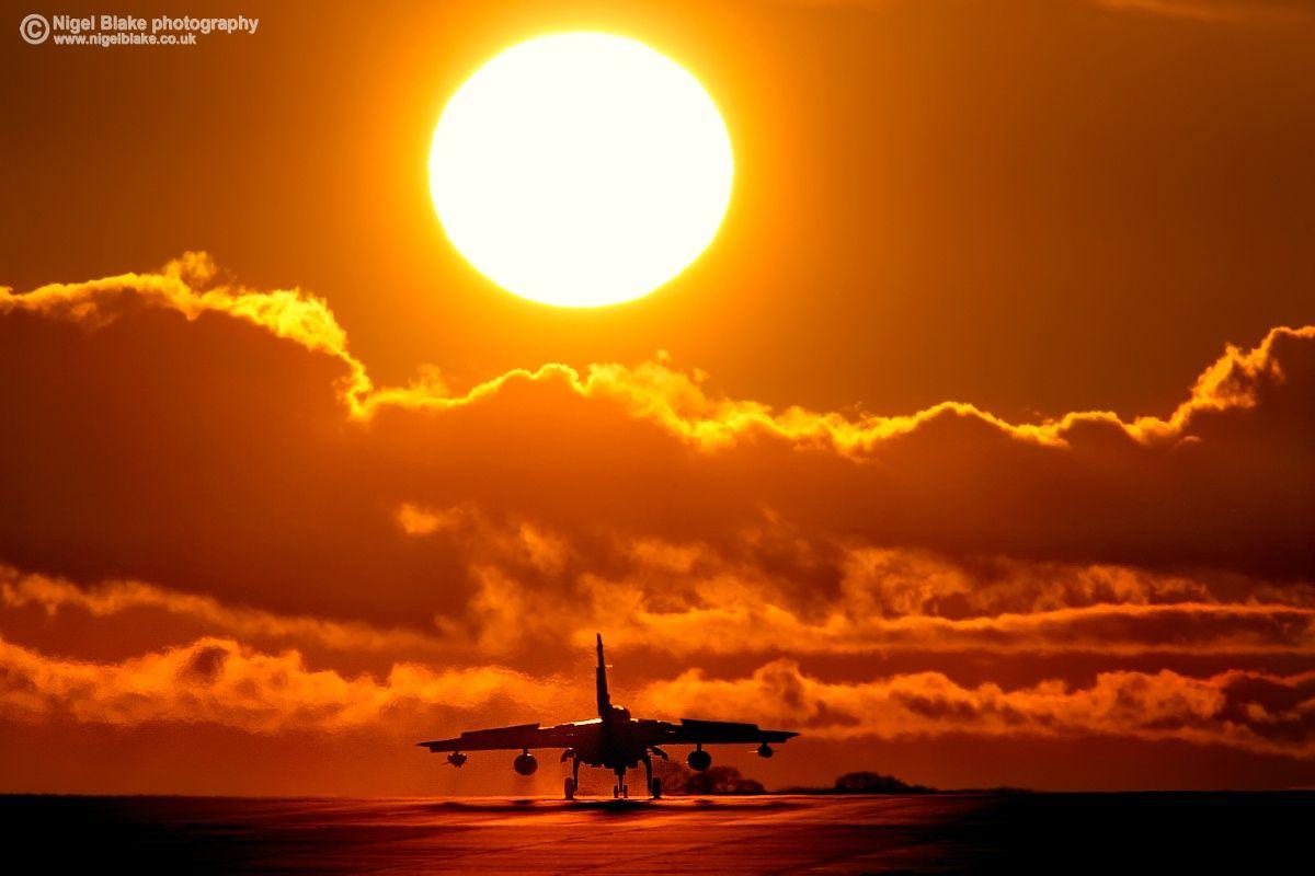 Tornado GR4 sunset - Panavia Tornado GR4 landing at sunset ...