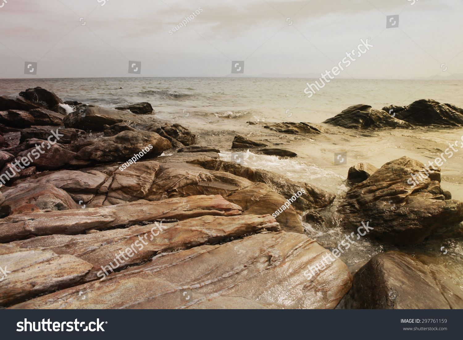 Beautiful Ocean With Rocks Island Of Thailand Royalty Free Images Ssuaphoto Stock Photography Shutterstock Background Bay Beautiful Beauty Cloudy