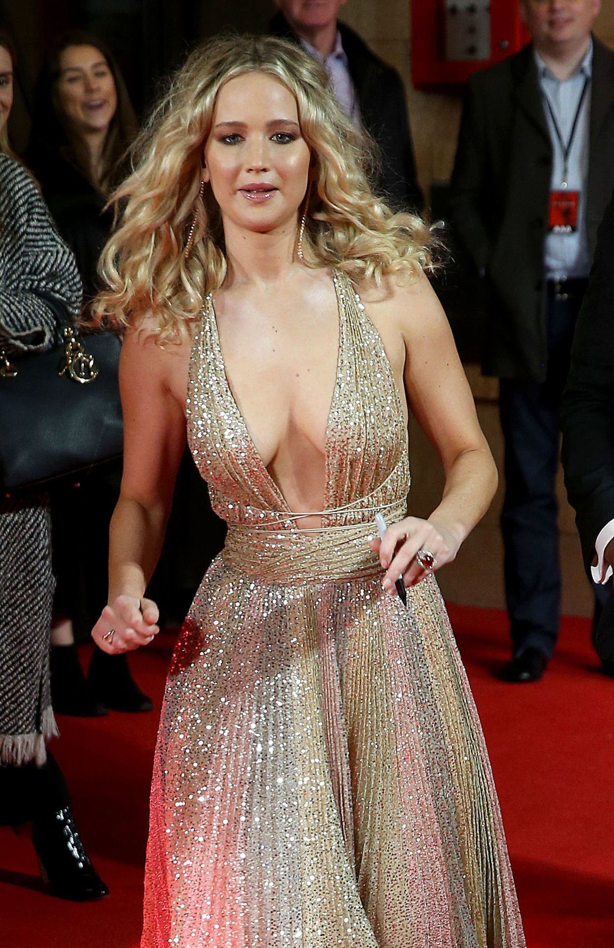 Forum on this topic: Jennifer Lawrence Is on a Red-Carpet Hot , jennifer-lawrence-is-on-a-red-carpet-hot/