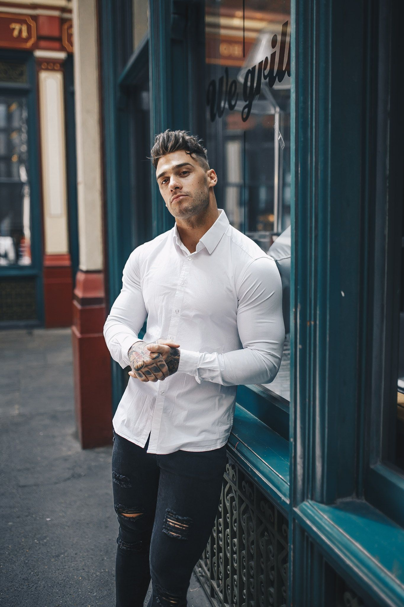 9f88eac2 Muscle fit white shirts at Tapered Menswear. Perfectly fitted shirts for muscular  guys. Shop the White Tapered Fit Shirt now.