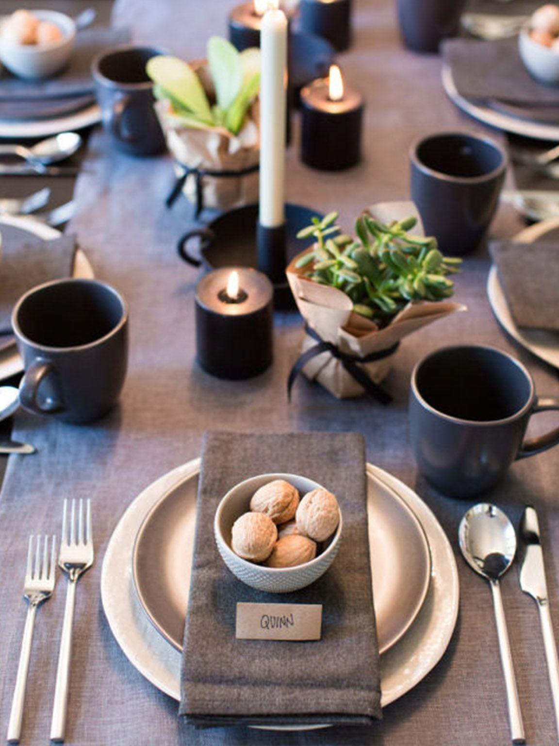 Arredare Tavola Natale mise en place dai toni grigio/tortona e nero (con immagini