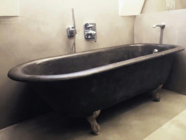 ⭐ cool bad bewerkt met betonstuc molitli interieurmakers