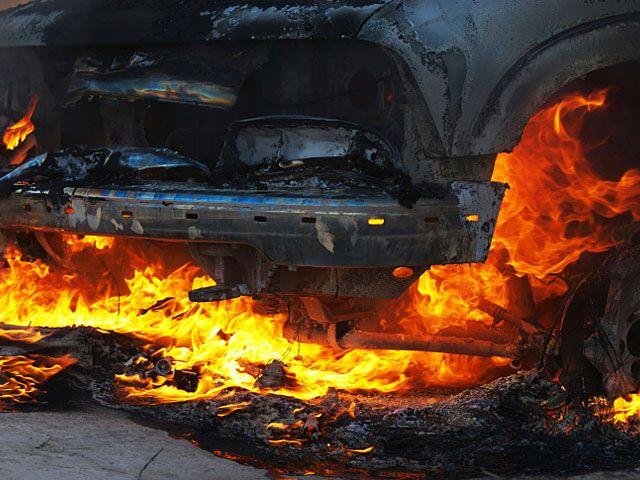 В Тель-Авиве взорван автомобиль: убит мужчина http://kleinburd.ru/news/v-tel-avive-vzorvan-avtomobil-ubit-muzhchina/  В воскресенье, 16 октября, около 17:00 поступило сообщение о взрыве автомобиля на улице Ла Гардия в южном Тель-Авиве. В результате взрыва погиб один человек. На месте происшествия наблюдается скопление полиции и машин «скорой помощи». Полиция предполагает, что речь идет о криминальном теракте. Подробности происшествия выясняются. Криминальные теракты в Израиле за последние…