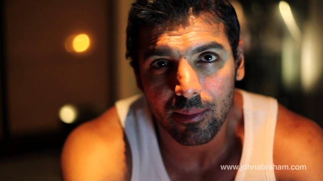 John Abraham Long Hairstyle Pics John Abraham Long Hairstyle Pics Hairs Are Probably The Mo Di 2020