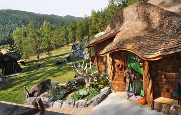 Hobbit House Between Thompson Falls And Trout Creek Mt