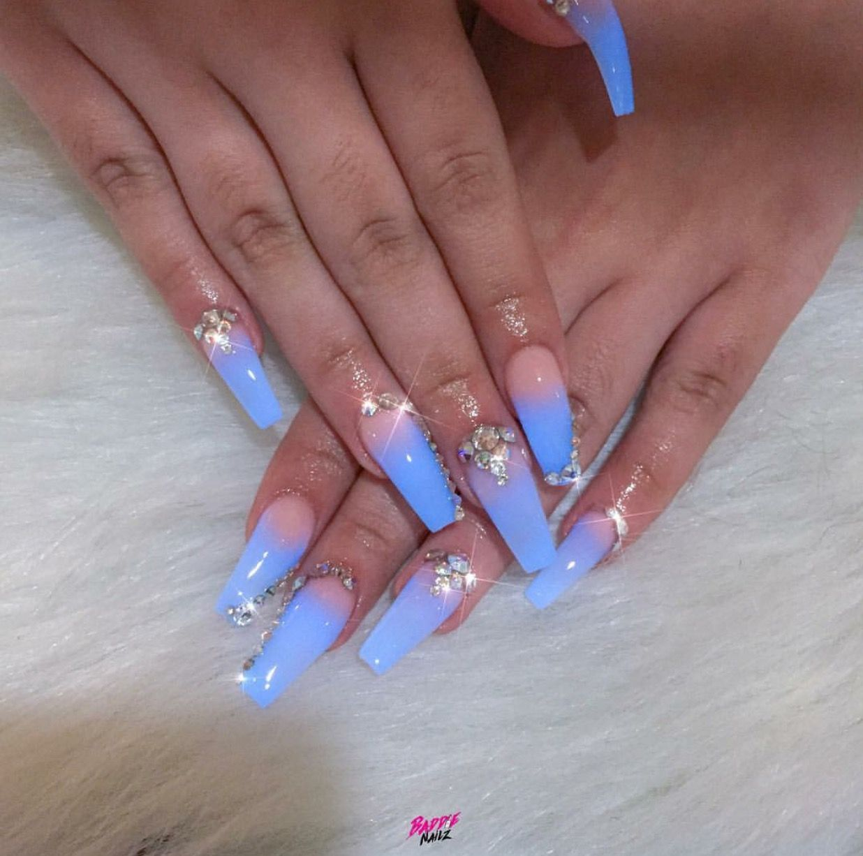 Glow Ombré Nails @Hair,Nails,And Style @baddie_Nailz | nailart ...