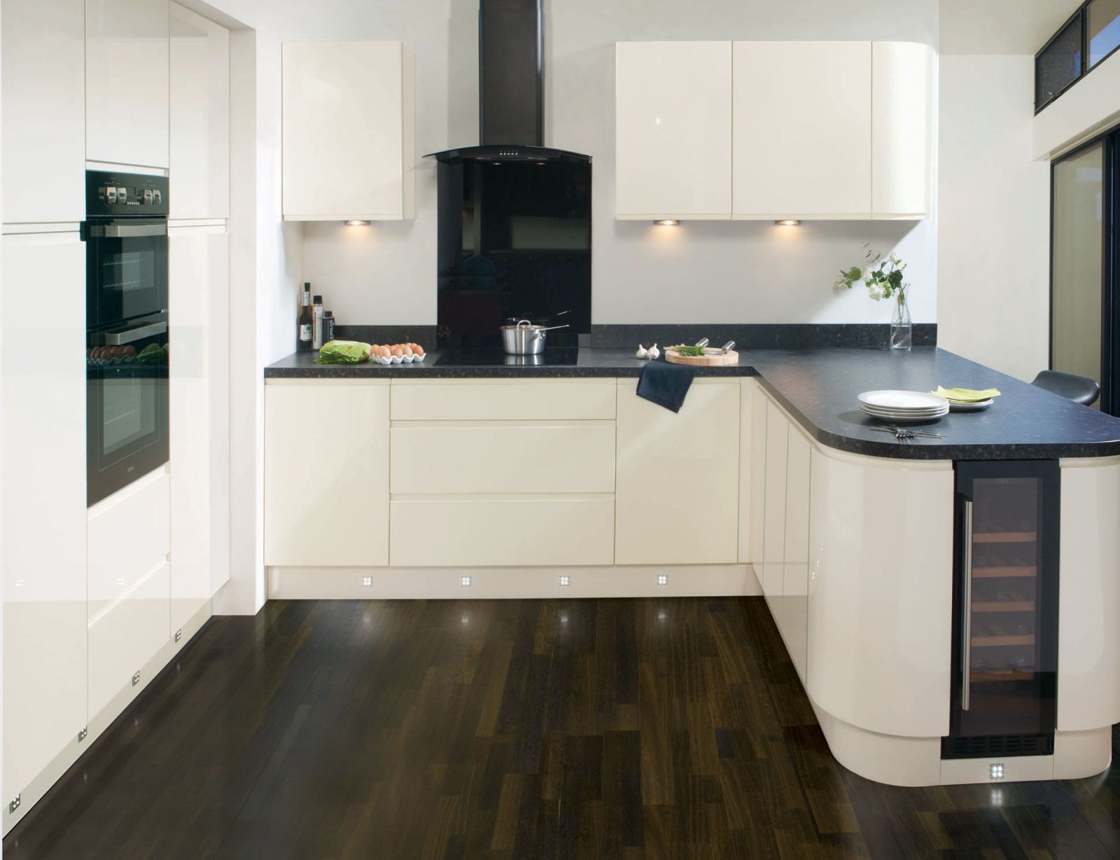 This monochrome kitchen is ultra sleek with Handleless White Gloss ...
