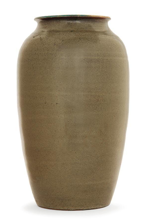 """Auguste DELAHERCHE (1857-1940) Grand vase ovoïde en grès, émail extérieur vert bronze sur fond brun, émail intérieur bleu canard jaspé de bleu. Signature incisée """"Aug. Delaherche"""" et """"barre de numérotation Haut. 26,3CM"""