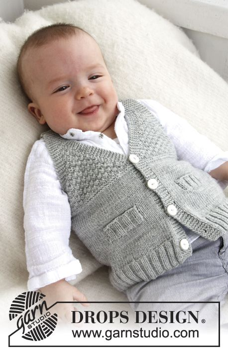"""Knitted DROPS vest with V neck and textured pattern in """"Baby"""