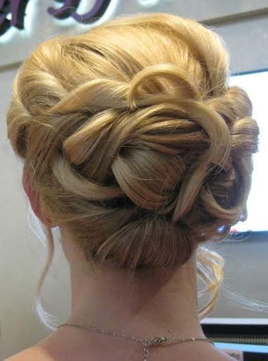 low side bun with curls #lowsidebuns low side bun with curls #lowsidebuns low side bun with curls #lowsidebuns low side bun with curls #lowsidebuns