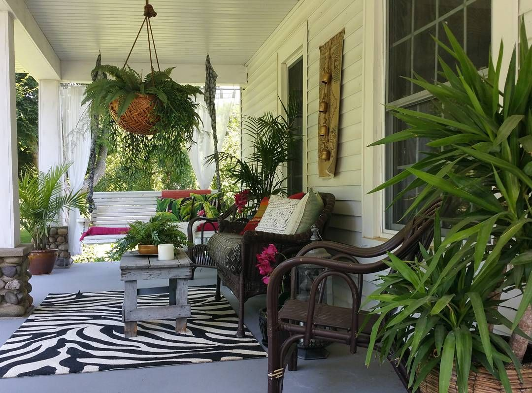 Sometimes it's difficult to decide which tropical porch I want to sit on.... #heavenswalk #jungalowstyle #bohemianfarmhouse #farmhouseliving #countryliving #bohostyle #currentdesignsituation #bohoismyjam #finditstyleit #fmfstyle