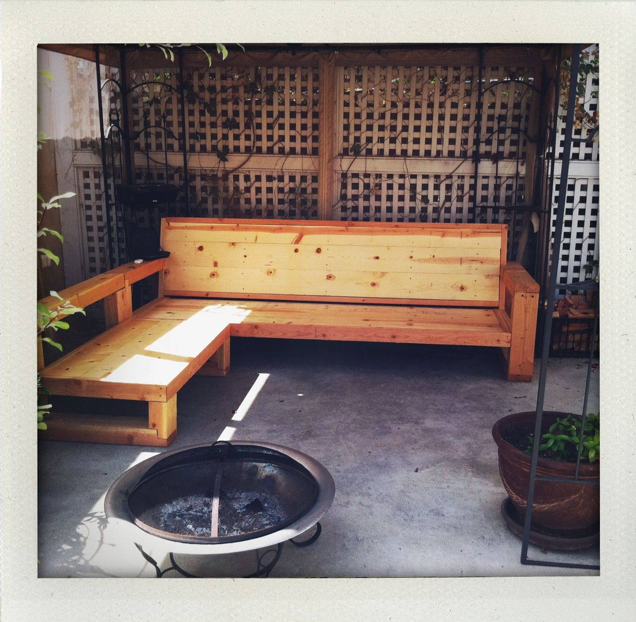 wooden patio furniture including l shape pallet wooden outdoor sofa upcycle and recycle in. Black Bedroom Furniture Sets. Home Design Ideas